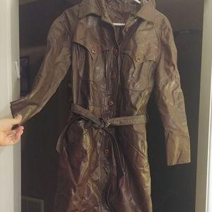 Vintage womens long brown leather coat size 8 vtg